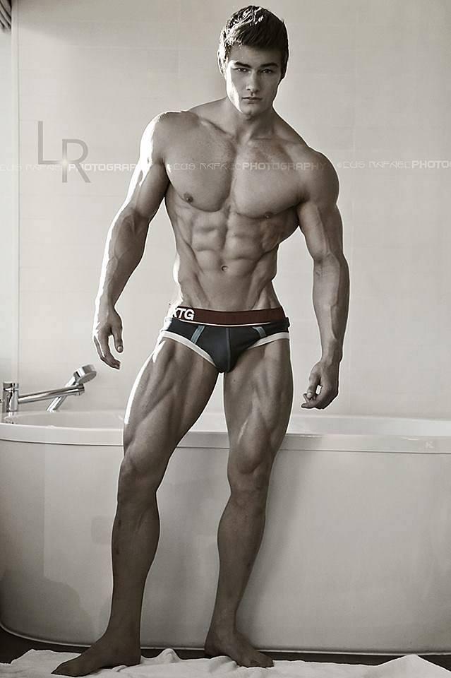 Jeff Seid bathtub pose
