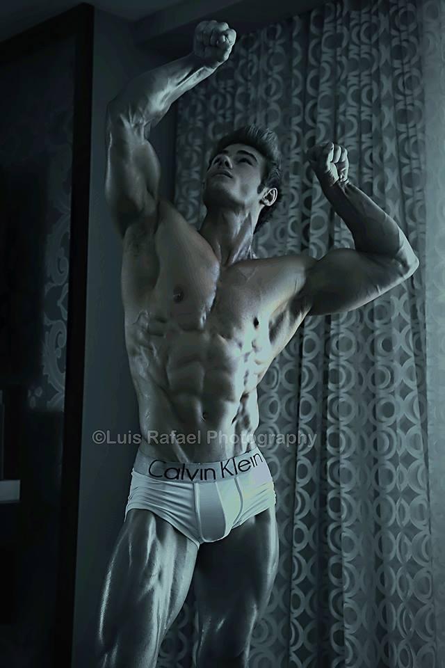 Jeff Seid curtain pose